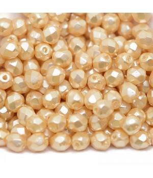 Чешские граненые бусины Pearls Cream 4мм, 20 штук